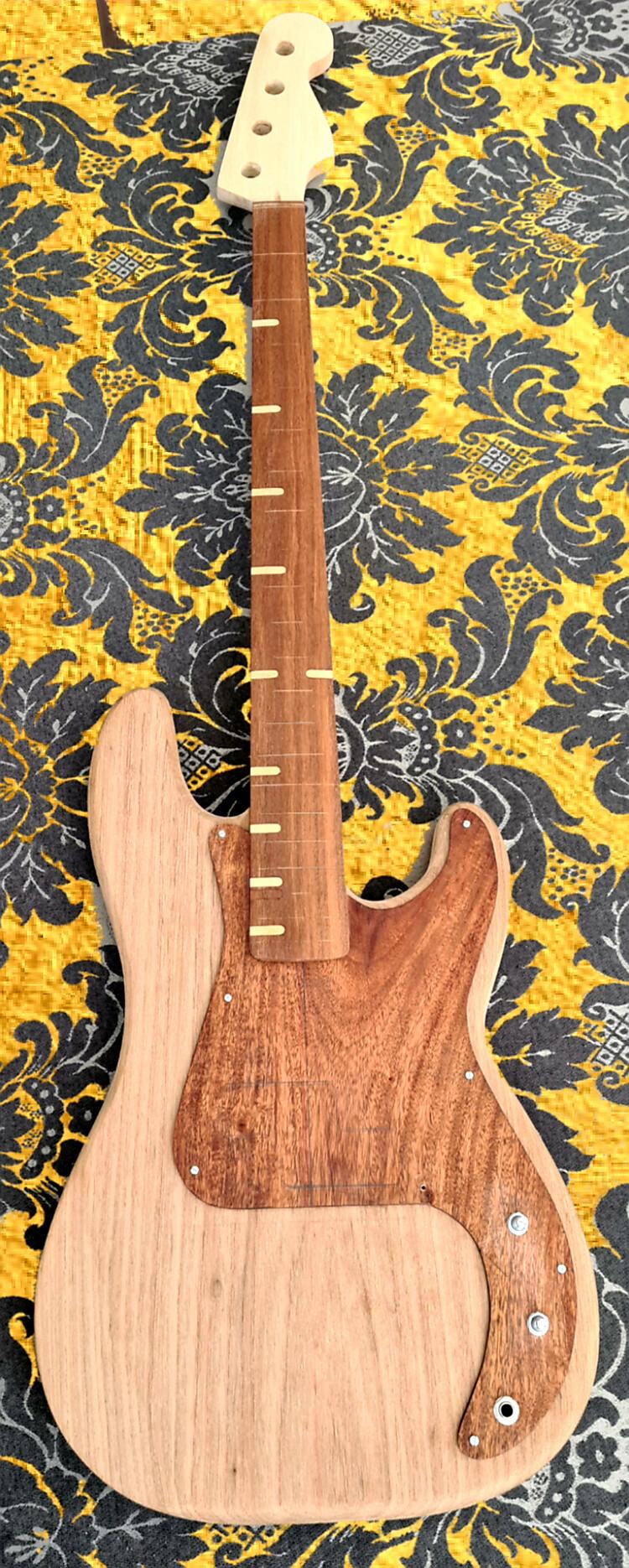Construindo um Precision Bass - Página 5 20200911