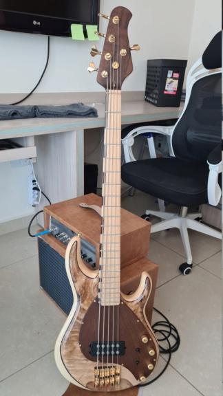 Construindo um Precision Bass - Página 8 20210910