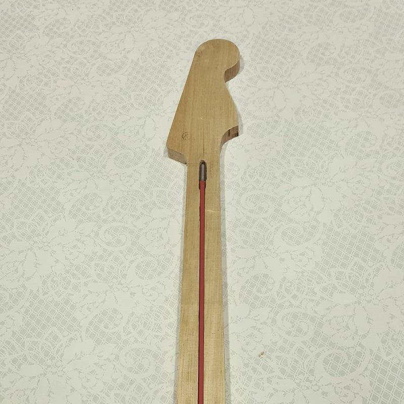 Construindo um Precision Bass Img_2010