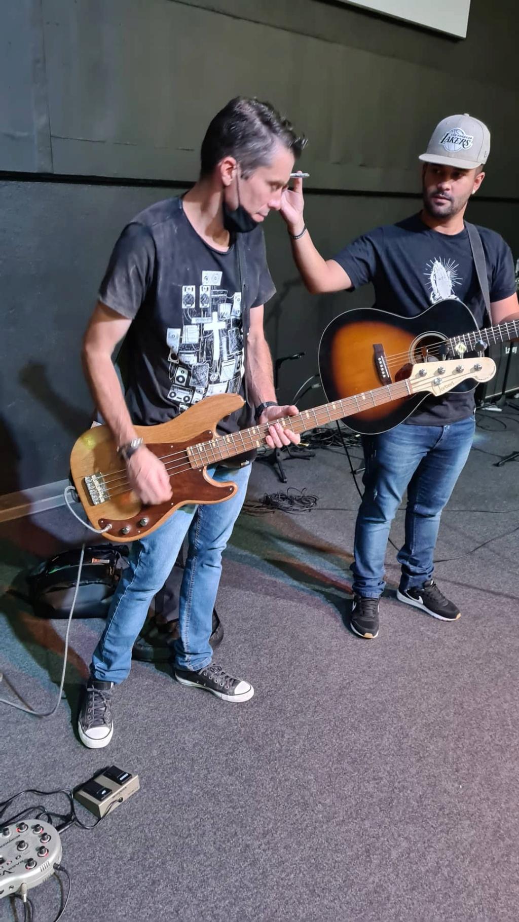Construindo um Precision Bass - Página 7 Img_2012