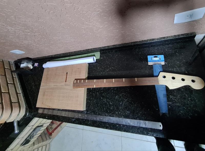 Construindo um Precision Bass - Página 2 Picsar24