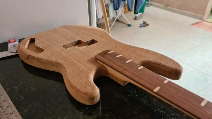 Construindo um Precision Bass - Página 4 Picsar47