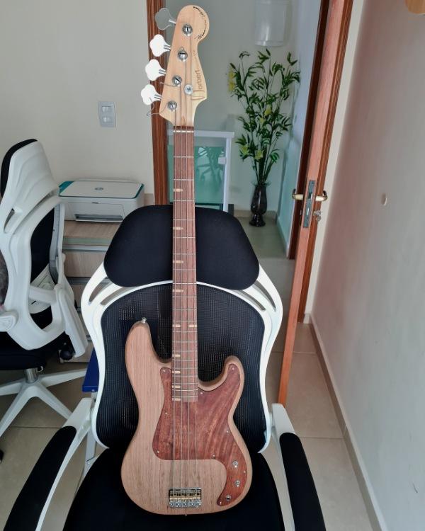 Construindo um Precision Bass - Página 5 Picsar57