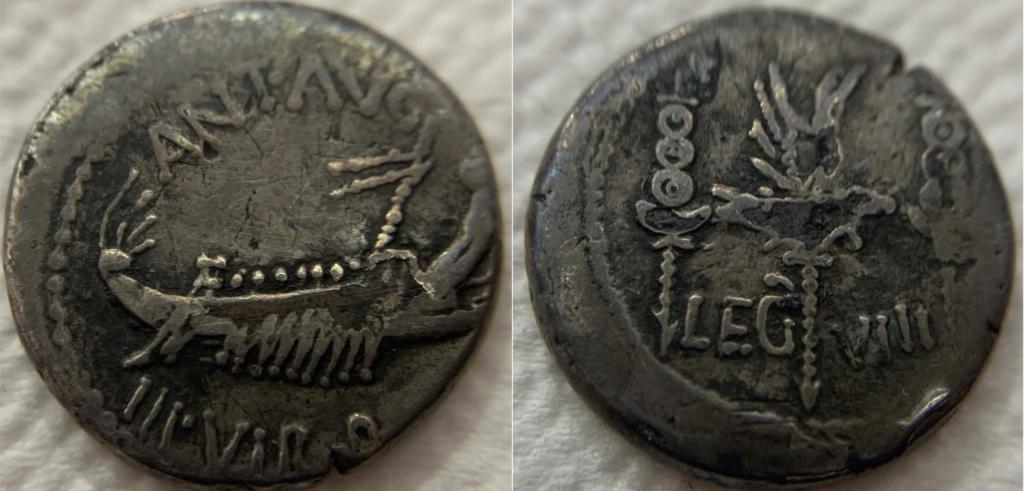 Denario legionario de Marco Antonio. LEG - VIII. Águila entre dos estandarte.  7585c710