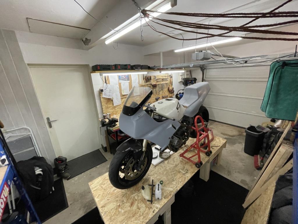 Photos de nos garages/ateliers - Page 27 61a96c10