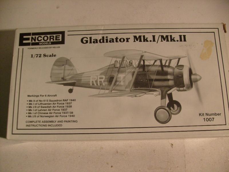 Comparatif GLOSTER GLADIATOR 1/72ème S7302422