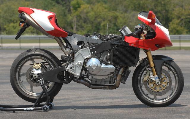 ? moto mystere n°176 ?    trouvée 410