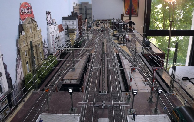 Bruxelbourg Central - Un réseau modulaire urbain à picots Bruxel14