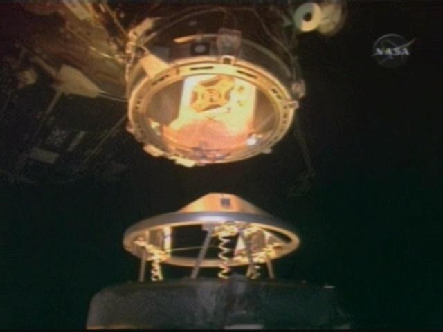 [STS-126] Endeavour : La mission - Page 3 Vlcsna16