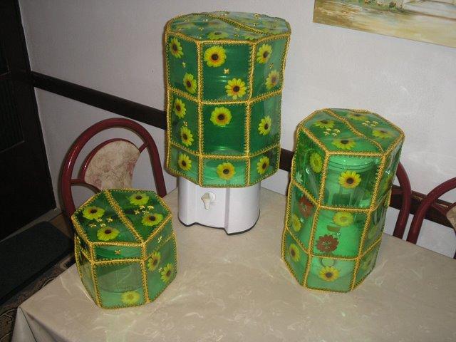 كروشي وقارورات بلاستيك Conjun10