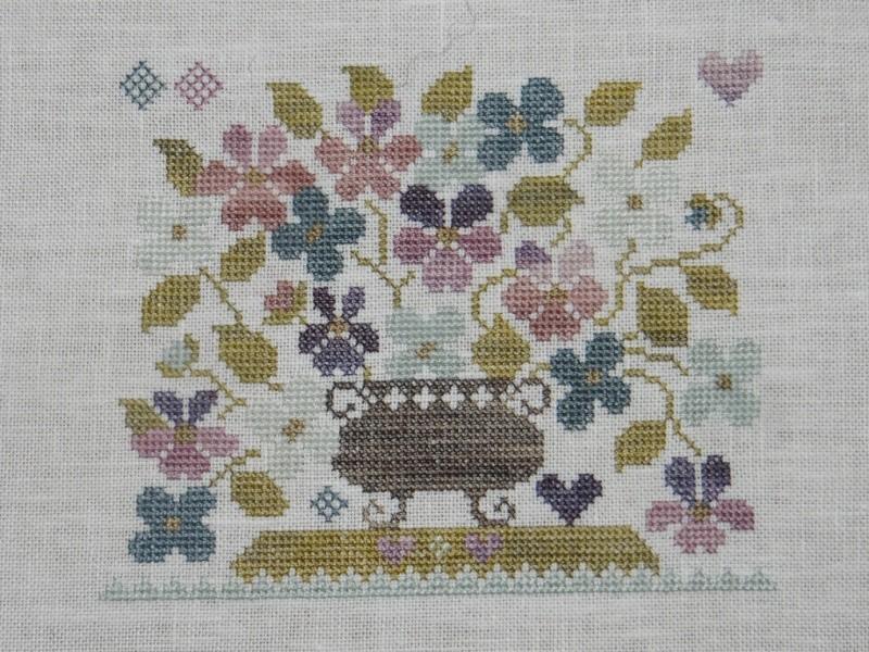 SAL Sauvage Tralala Bouquet Violettes et Myosotis - Page 9 Dsc02124