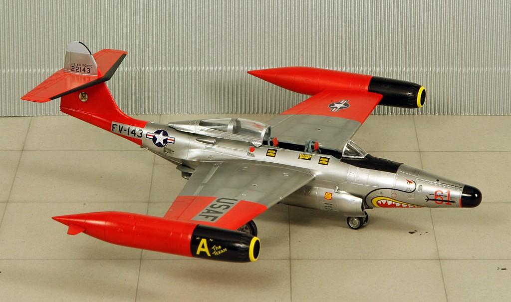 "Northrop F-89D ""Scorpion"" (1:72 - Academy) Img_7926"