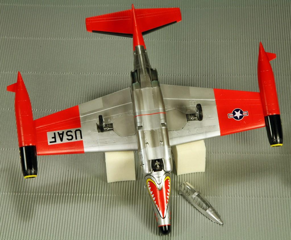 "Northrop F-89D ""Scorpion"" (1:72 - Academy) Img_7932"