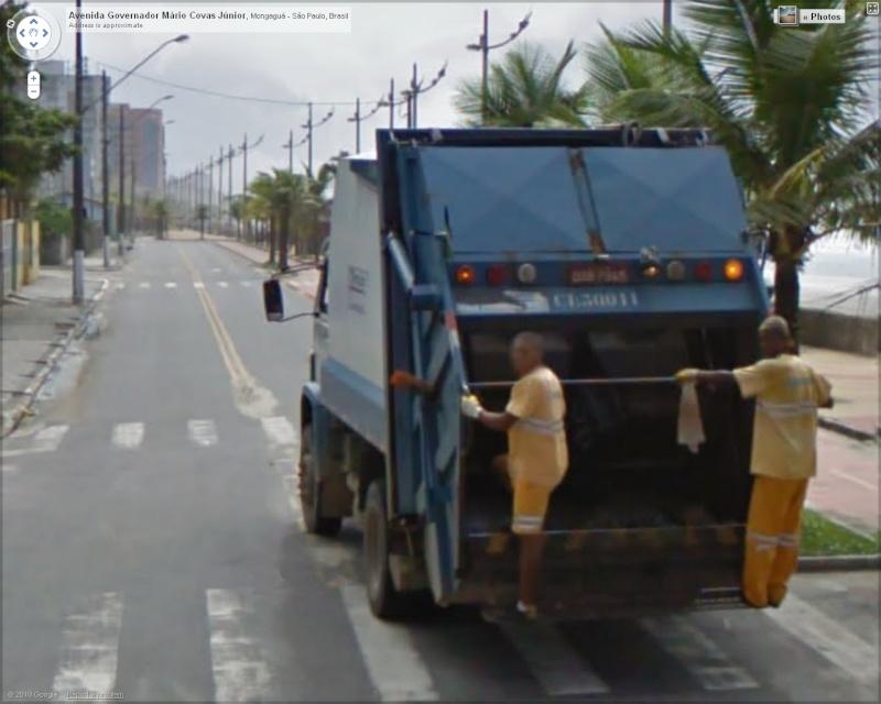 STREET VIEW : Les camions-poubelles, sujet glamour ! - Page 3 Poubel10
