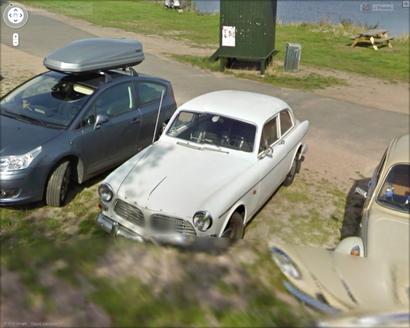 STREET VIEW : belles voitures (Monde) - Page 24 Volvo10