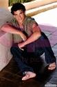 Taylor Lautner 00294