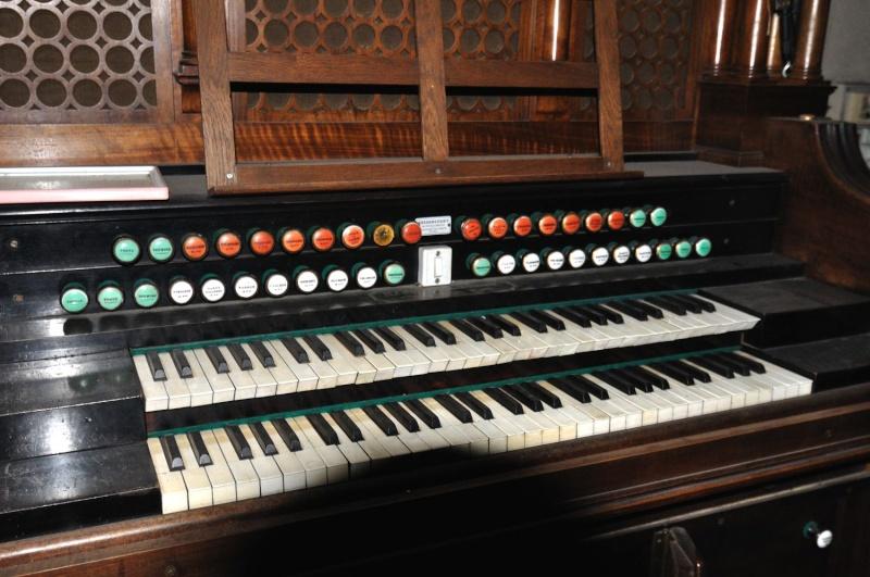 Harmonium 2 claviers / pédalier à identifier --> Christophe & Etienne Dsc_0113
