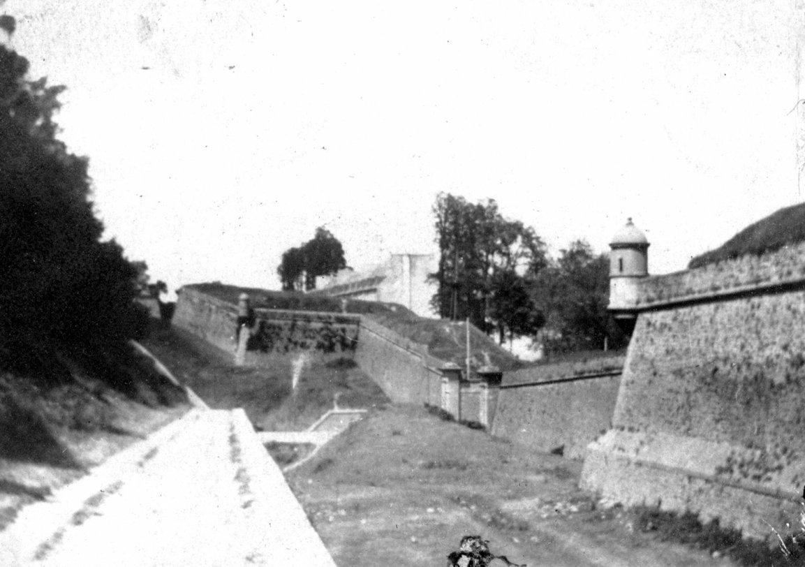 NEW - Brest et ses remparts - Page 2 05710