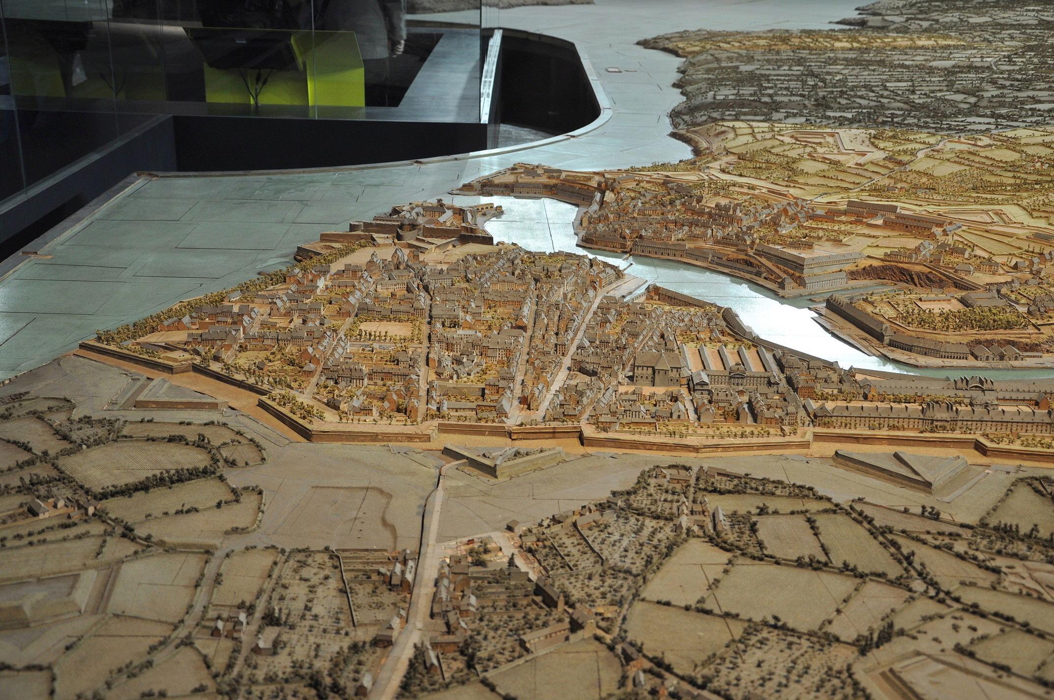 NEW - Brest et ses remparts - Page 2 Dsc_2412