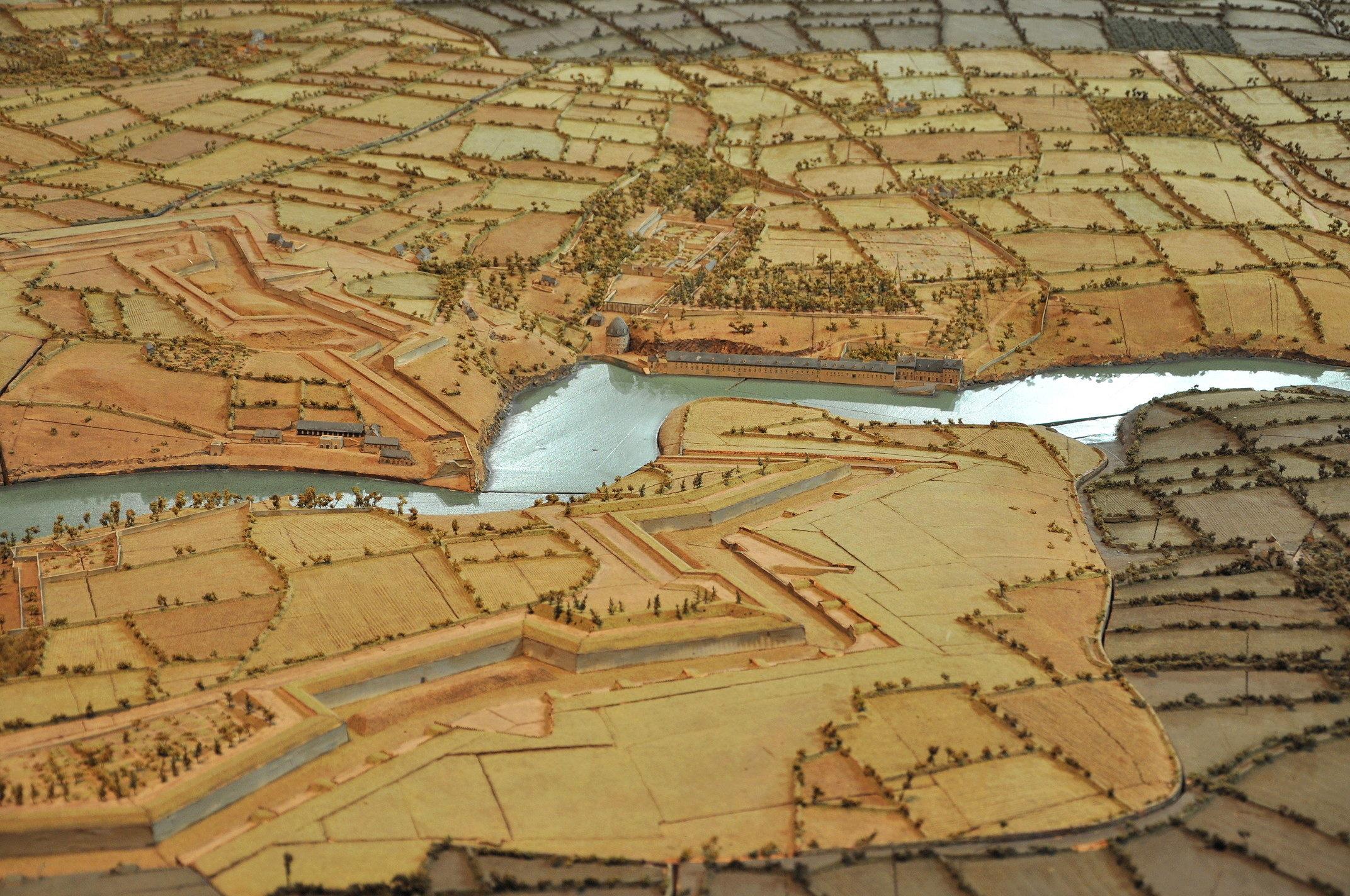 NEW - Brest et ses remparts - Page 2 Dsc_2418