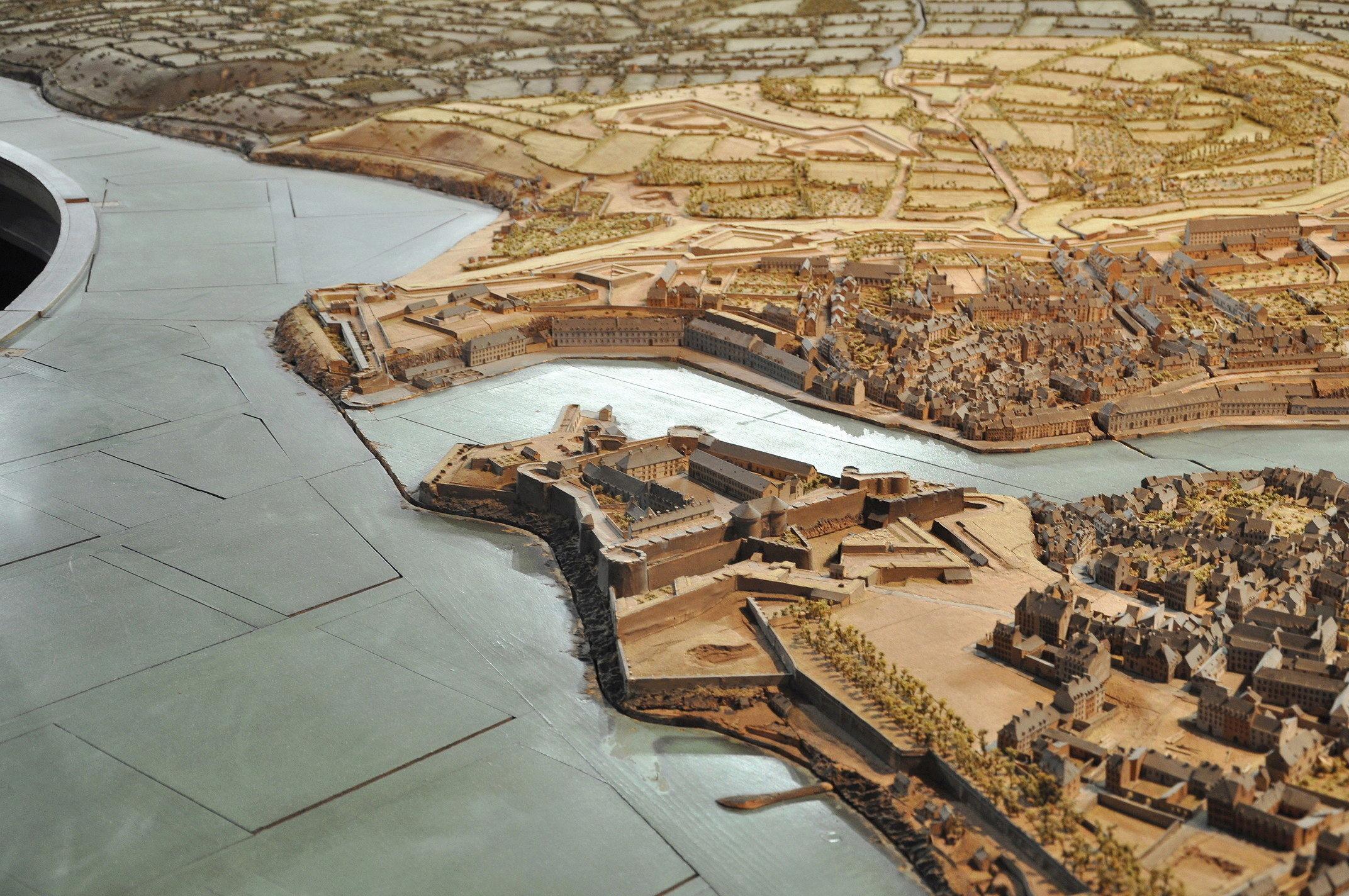 NEW - Brest et ses remparts - Page 2 Dsc_2424