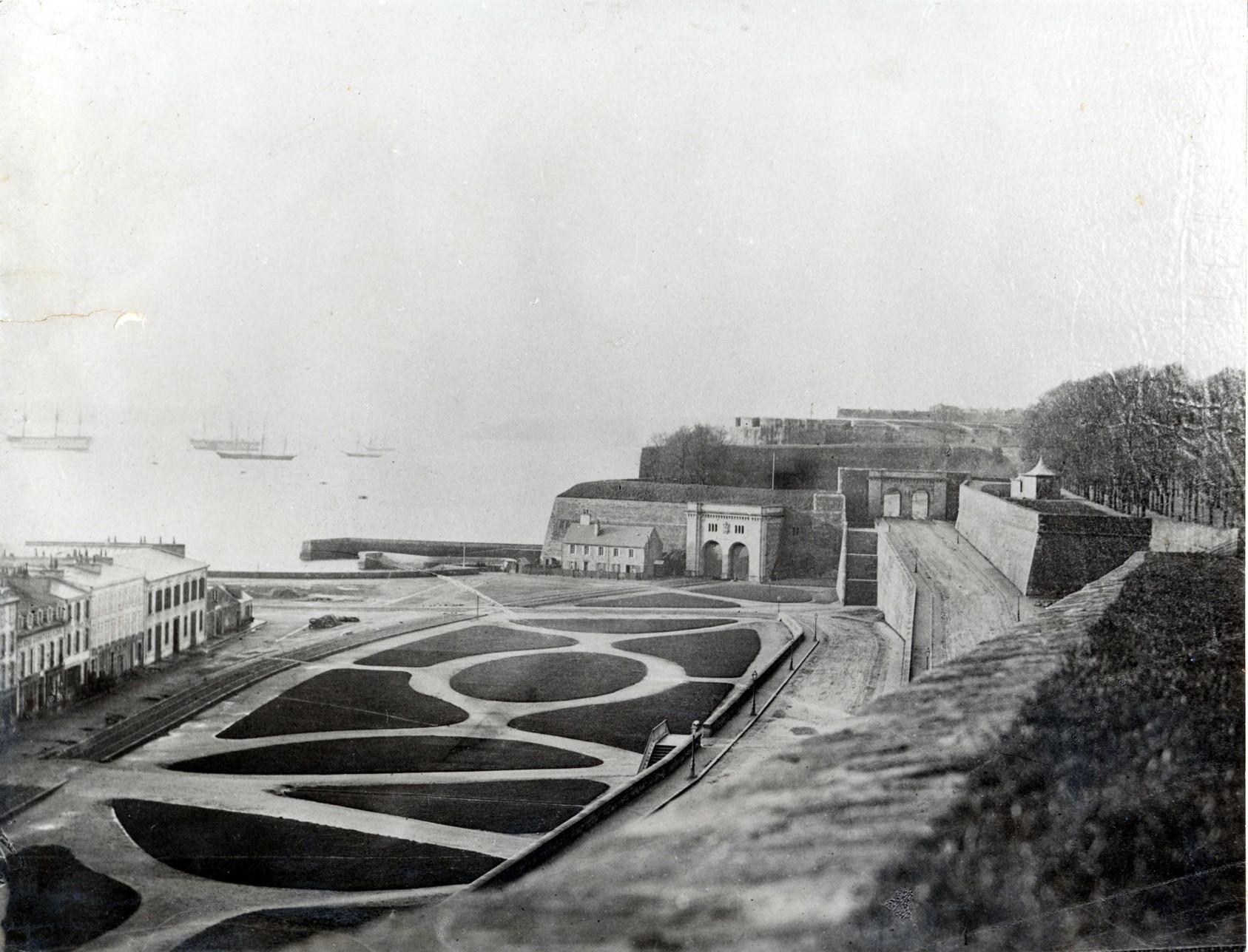 NEW - Brest et ses remparts - Page 2 Jardin10