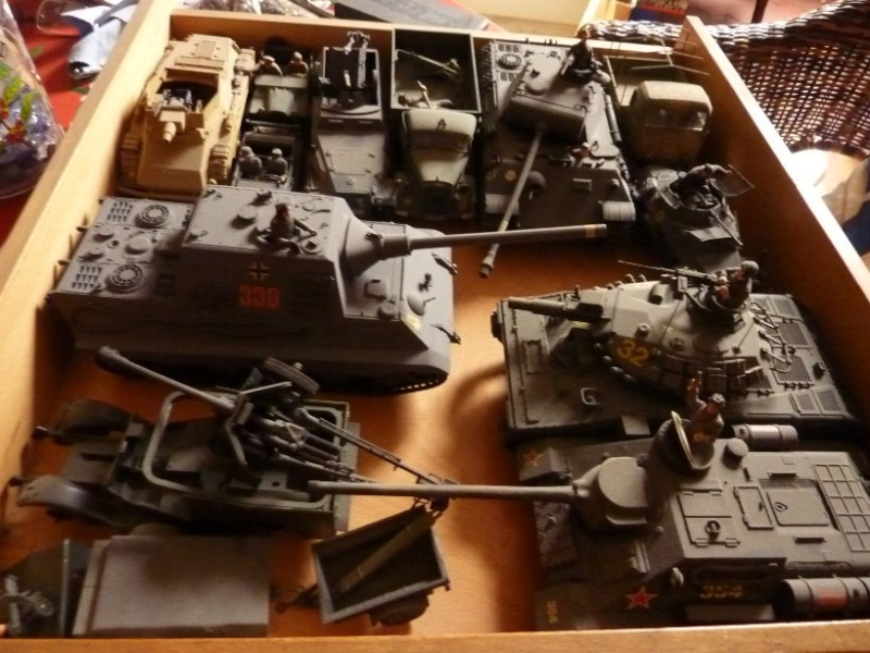 [Vente close] Enorme lot maquettes 1/35 montées P1130310