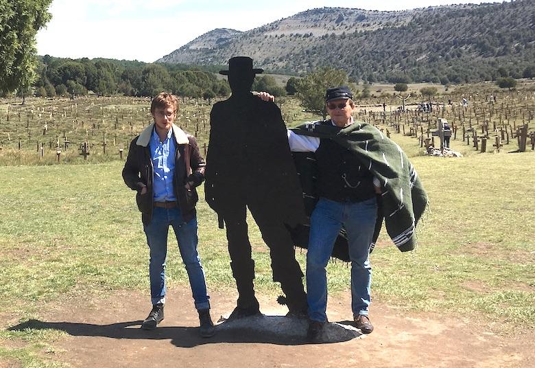 Week-end à Sad Hill avec trois copains: un bon, une brute et un truand 18-sad10