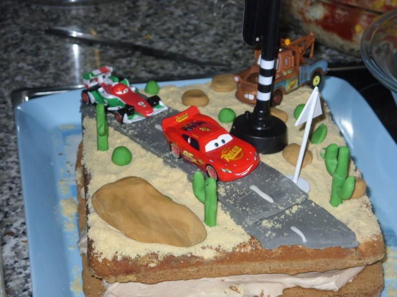 Cars quatre roues : Flash McQueen et ses amis - Page 40 Sdc13810