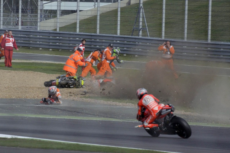 MOTO GP 2013 les résultats, les news et les liens - Page 6 -docum11