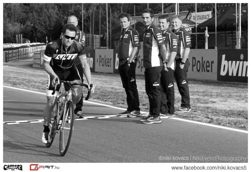 MOTO GP 2013 les résultats, les news et les liens - Page 4 12355210