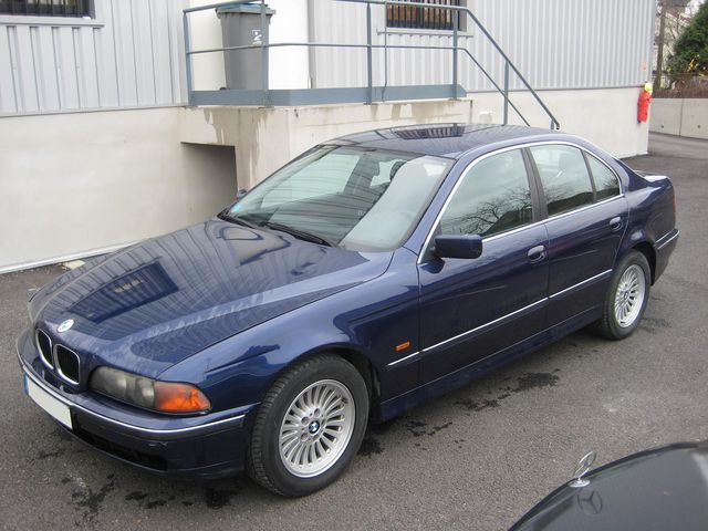 BESOIN D'AIDE POUR ACHAT IMMINENT Bmw52512