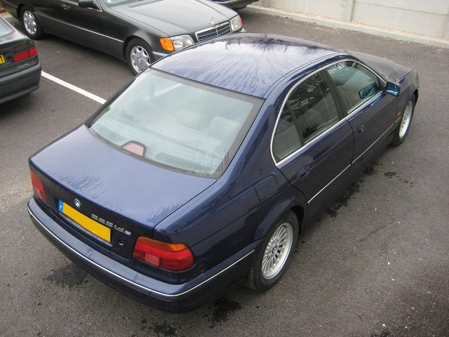 BESOIN D'AIDE POUR ACHAT IMMINENT Bmw52513
