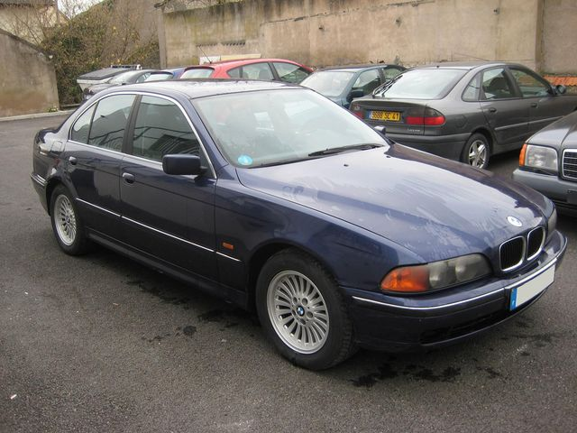 BESOIN D'AIDE POUR ACHAT IMMINENT Bmw52515