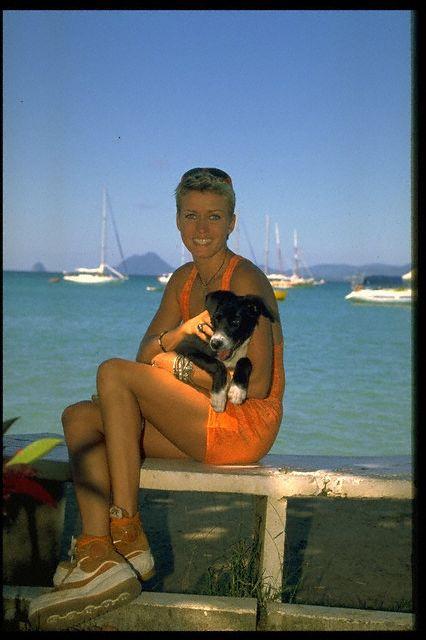 Annette Schreiber dans des pubs - Page 7 00003219