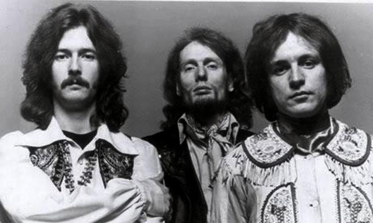 Les 1000 visages d'Eric Clapton - Page 5 10902_10