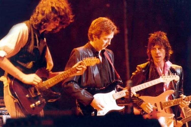Les 1000 visages d'Eric Clapton - Page 5 14951_10