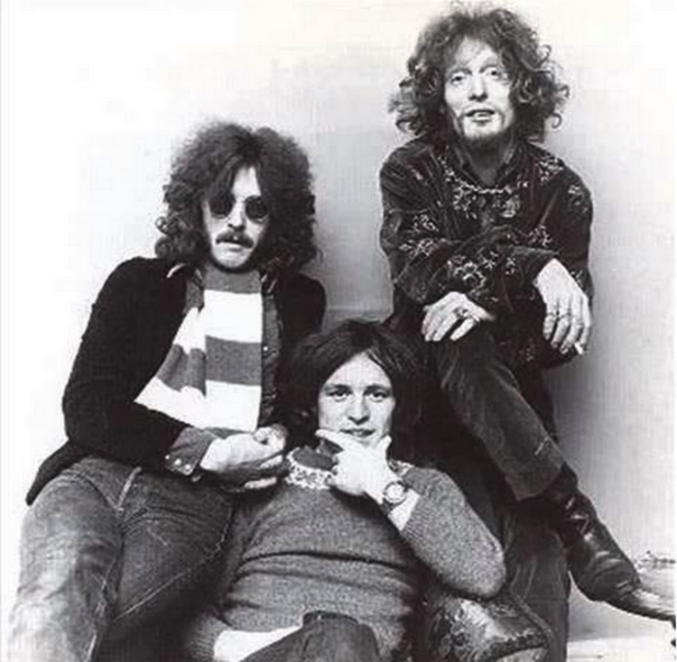 Les 1000 visages d'Eric Clapton - Page 5 30732610