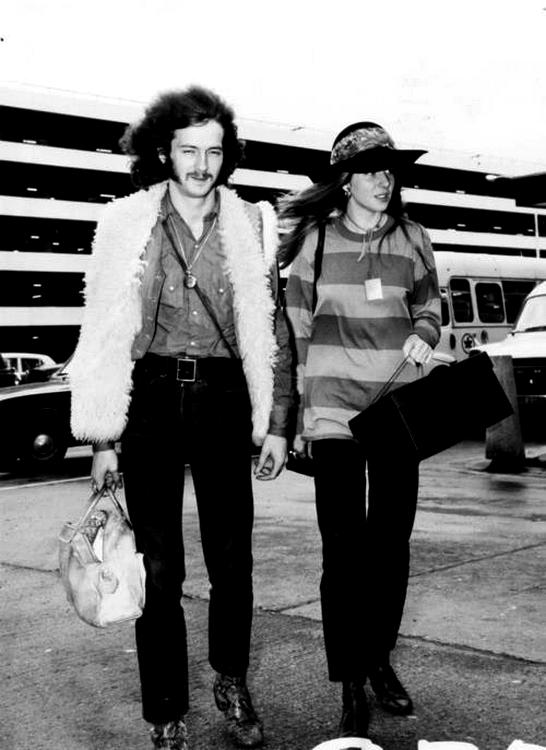 Les 1000 visages d'Eric Clapton - Page 5 31979110