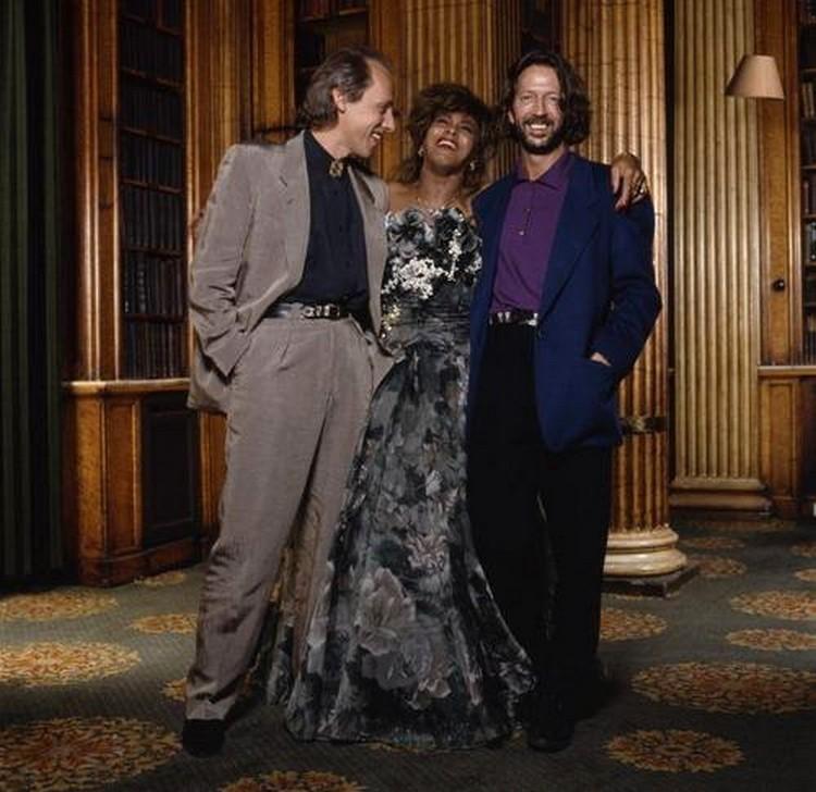 Les 1000 visages d'Eric Clapton - Page 5 38779210