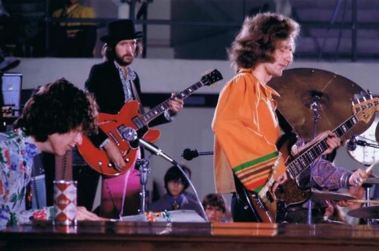 Les 1000 visages d'Eric Clapton - Page 5 48050110