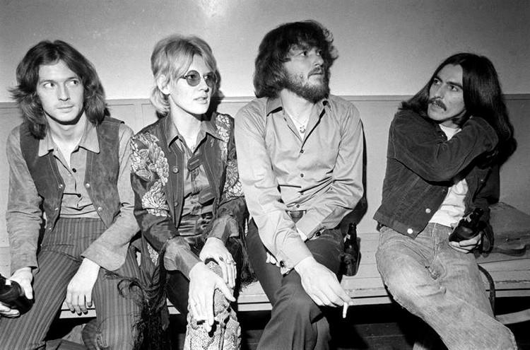 Les 1000 visages d'Eric Clapton - Page 5 48509910