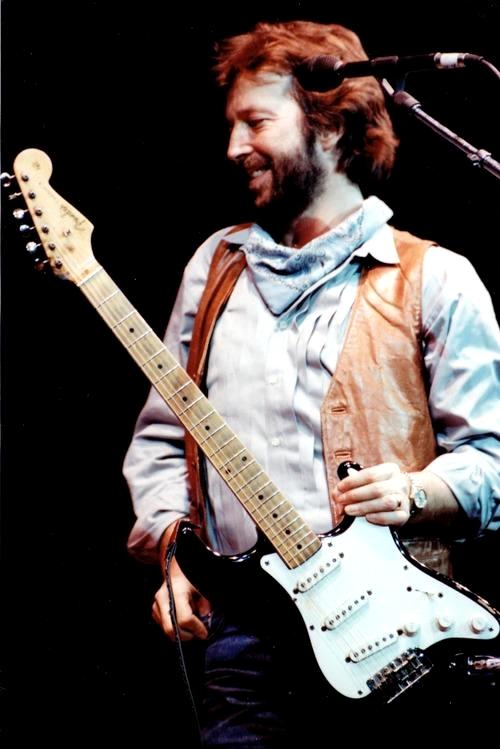 Les 1000 visages d'Eric Clapton - Page 5 48820710