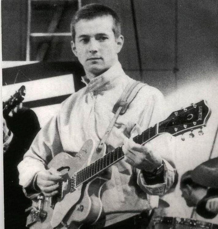 Les 1000 visages d'Eric Clapton - Page 5 53770210