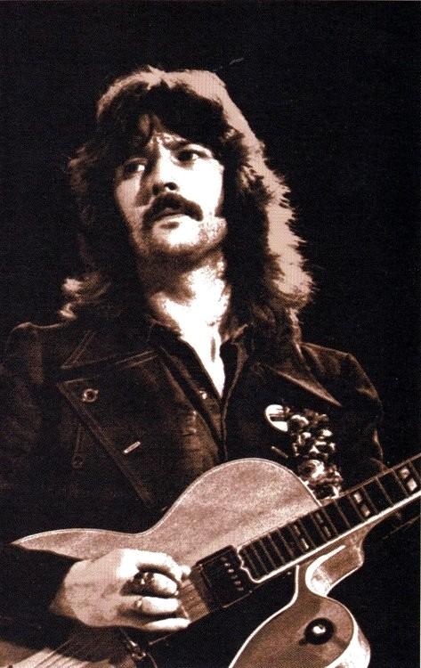 Les 1000 visages d'Eric Clapton - Page 5 54375510