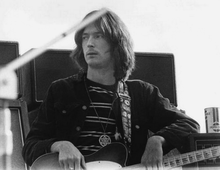 Les 1000 visages d'Eric Clapton - Page 5 56232610