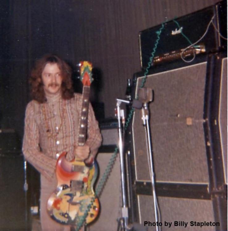 Les 1000 visages d'Eric Clapton - Page 5 62561210