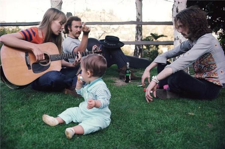 Les 1000 visages d'Eric Clapton - Page 6 Mitche10