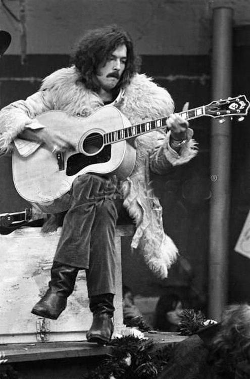 Les 1000 visages d'Eric Clapton - Page 5 Tumblr66