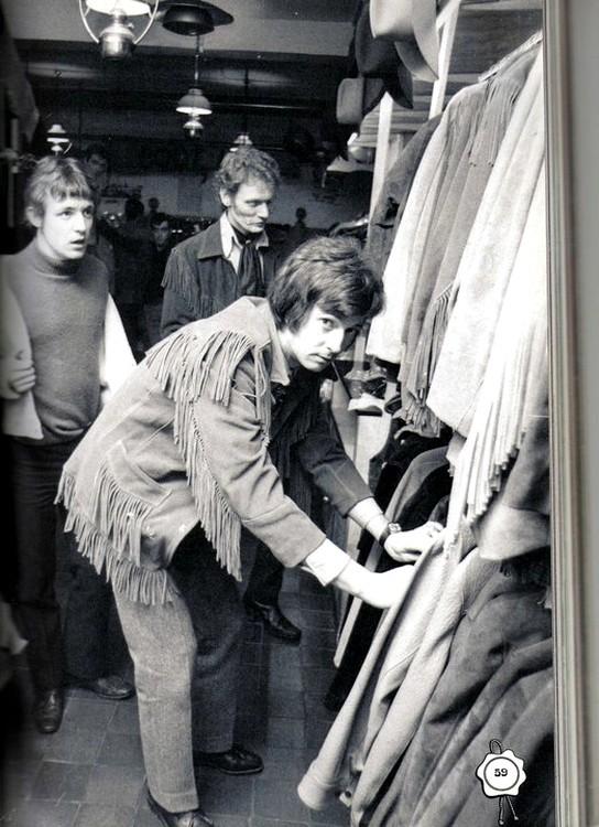 Les 1000 visages d'Eric Clapton - Page 5 Tumblr71